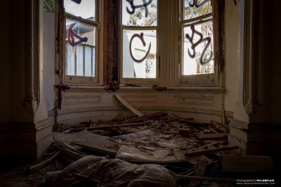 Urban Exploring Bats Palace — Awesome Adelaide