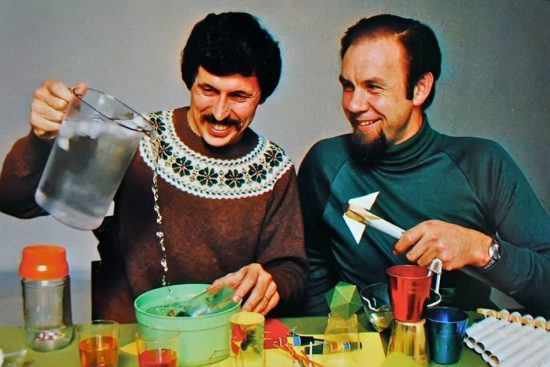 Channel 9's The Curiosity Show hosts Deane Hutton and Rob Morrison taught Australian kids science through simple experiments.
